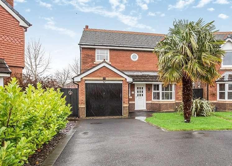 4 Bedrooms Detached House for sale in Simmons Avenue, Walton-le-Dale, Preston, Lancashire, PR5