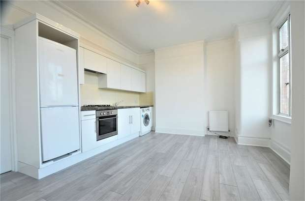 2 Bedrooms Flat for sale in Birkbeck Road, Mill Hill, NW7