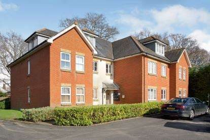 3 Bedrooms Flat for sale in 94A Dean Road, Southampton, Hampshire