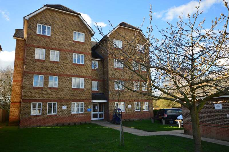 1 Bedroom Apartment Flat for sale in Woburn Close, Thamesmead