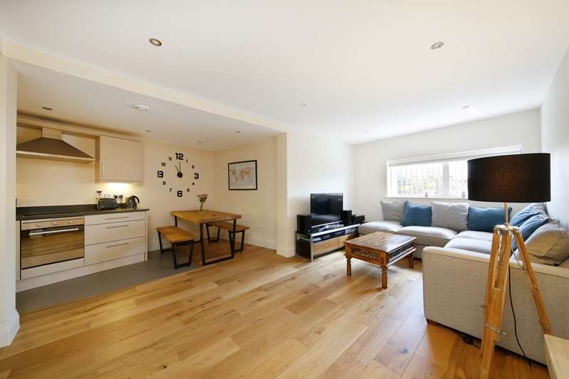 2 Bedrooms Apartment Flat for sale in Phoenix Works, Birds In Hand Passage, Forest Hill