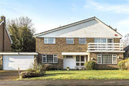 5 Bedrooms Detached House for sale in Prince Consort Drive, Chislehurst