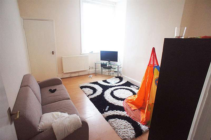 2 Bedrooms Flat for sale in Green Lanes, London