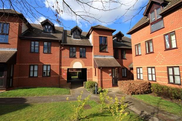 1 Bedroom Flat for sale in Station Road, Hasrpenden