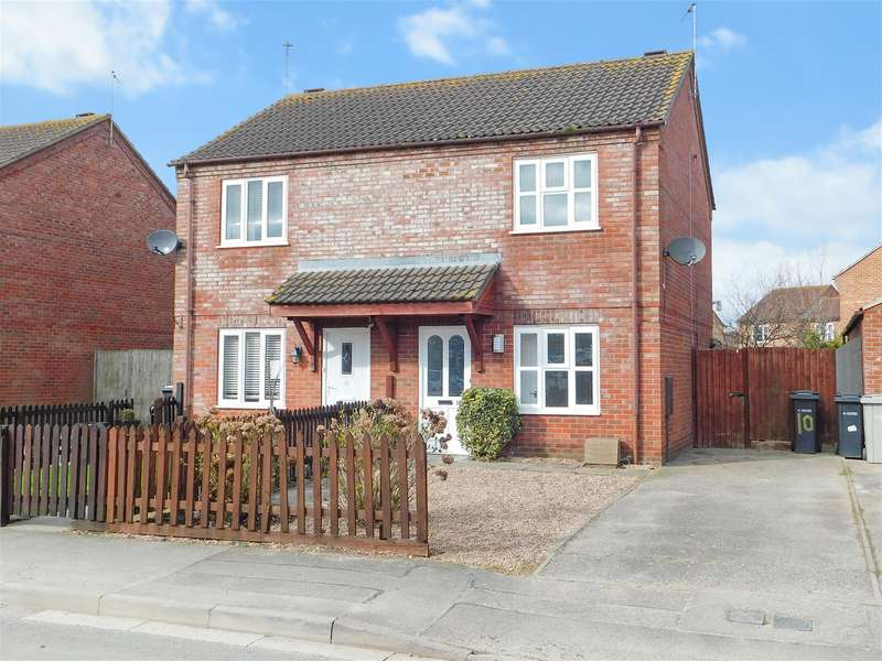 2 Bedrooms Semi Detached House for sale in The Meadows, Skegness, PE25 2JA