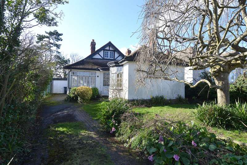 3 Bedrooms Detached Bungalow for sale in Orchard Close, Tankerton, Whitstable