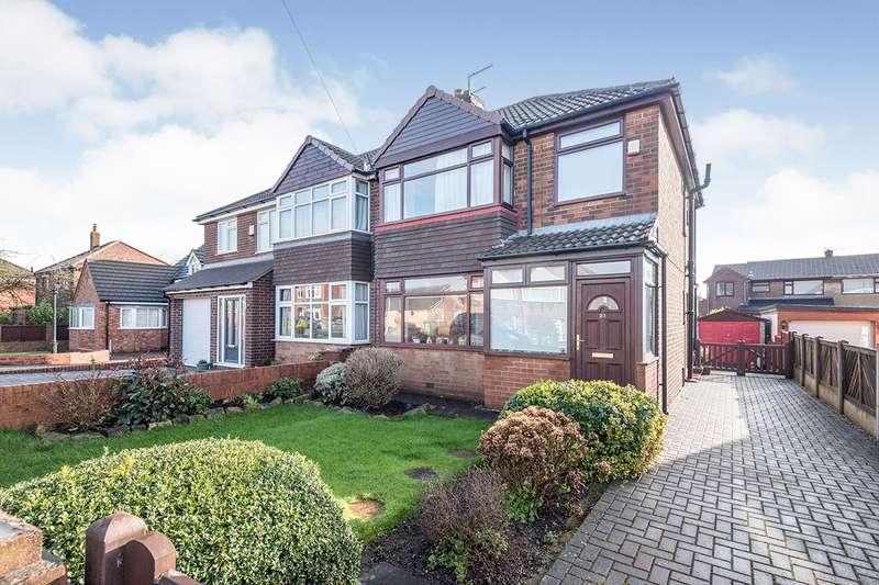 3 Bedrooms Semi Detached House for sale in Birchen Avenue, Ossett, West Yorkshire, WF5