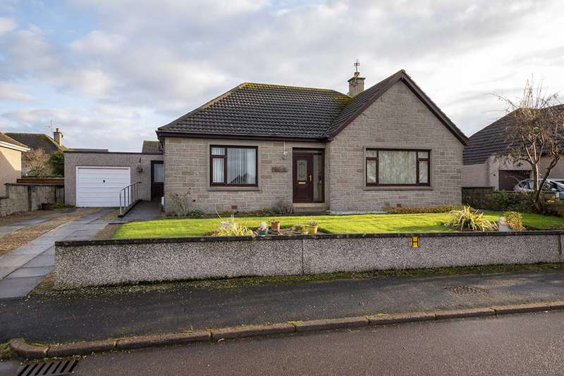 3 Bedrooms Bungalow for sale in Highfield Road, Buckie, Moray, AB56 1BG