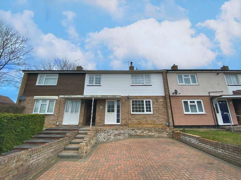 3 Bedrooms House for sale in Chells Way, Stevenage, Hertfordshire, SG2