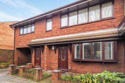 2 Bedrooms Flat for sale in Manchester Road, Swinton, Manchester, Greater Manchester