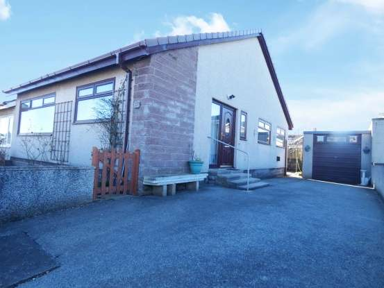 2 Bedrooms Semi Detached Bungalow for sale in Kirkburn Drive, Peterhead, Aberdeenshire, AB42 1TG