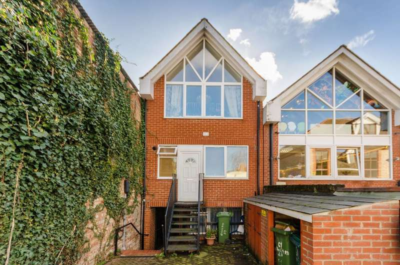 5 Bedrooms House for sale in Holly Road, Twickenham, TW1