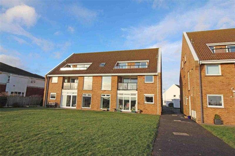 2 Bedrooms Apartment Flat for sale in Manderley, Sea Road, Lymington, Hampshire, SO41
