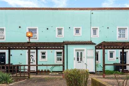 1 Bedroom Maisonette Flat for sale in Copeman Close, London
