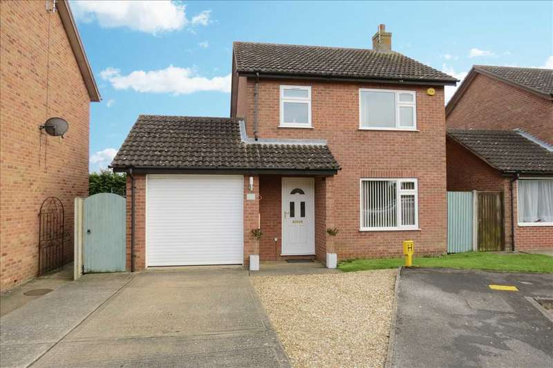 3 Bedrooms Detached House for sale in Holly Close, Sleaford