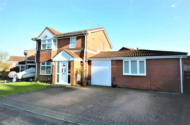4 Bedrooms Detached House for sale in Tresillian Gardens, West End, Southampton, SO18