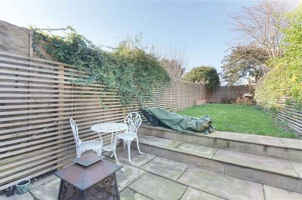 3 Bedrooms Terraced House for sale in Milton Road, Walthamstow, London