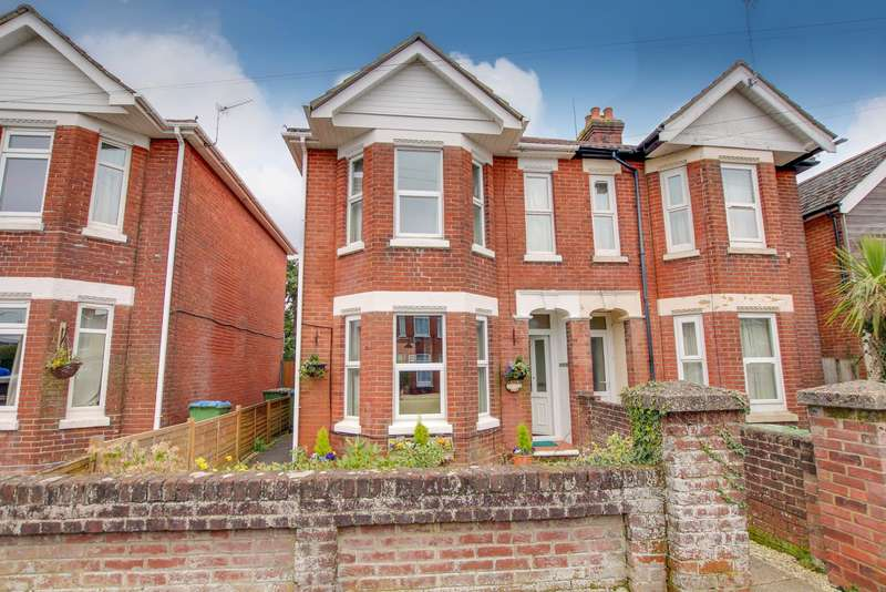 3 Bedrooms Semi Detached House for sale in Knighton Road, Woolston