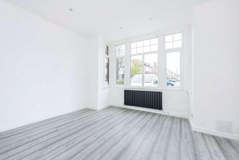 3 Bedrooms Flat for sale in Mitcham Lane, Furzedown, London
