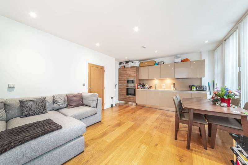 2 Bedrooms Flat for sale in Murray Street, Camden Town, NW1