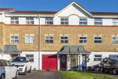 3 Bedrooms Terraced House for sale in Montana Gardens, London