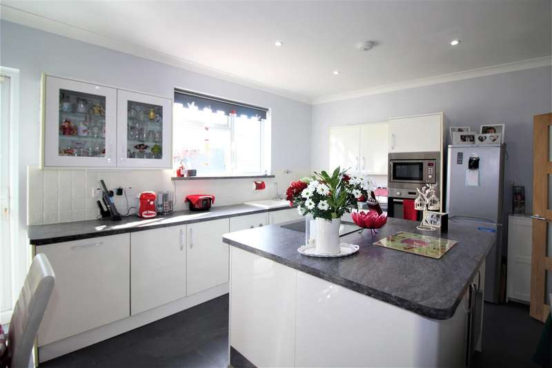 3 Bedrooms End Of Terrace House for sale in Chingford Road, London