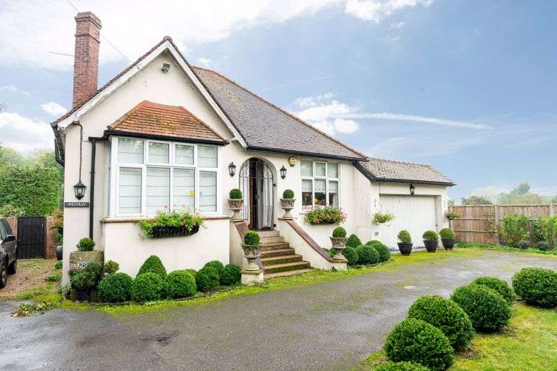 1 Bedroom Property for sale in Chertsey Road, Shepperton