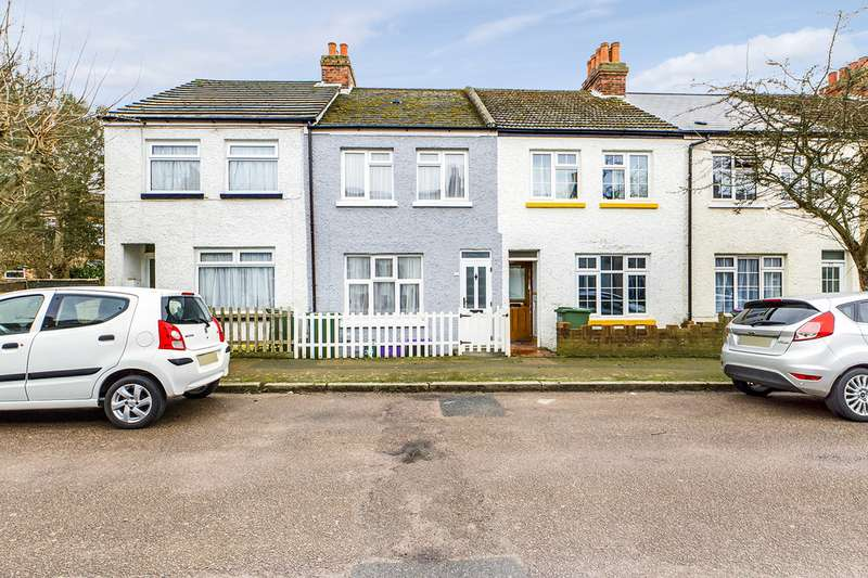 2 Bedrooms Terraced House for sale in Burrow Road, Folkestone CT19