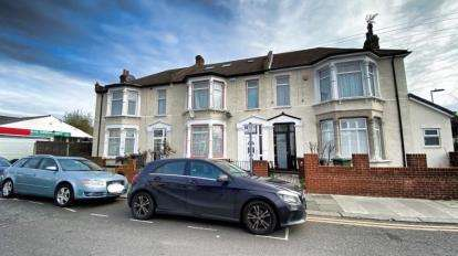 6 Bedrooms Terraced House for sale in Barking
