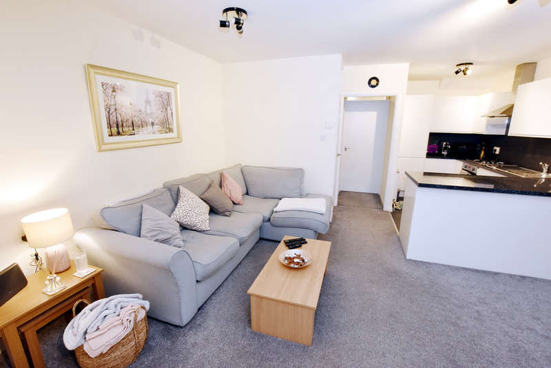 1 Bedroom Flat for sale in Redheath Close, Leavesden Watford