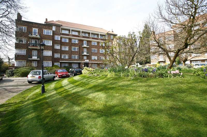 2 Bedrooms Flat for sale in Mulberry Close, Hendon, NW4