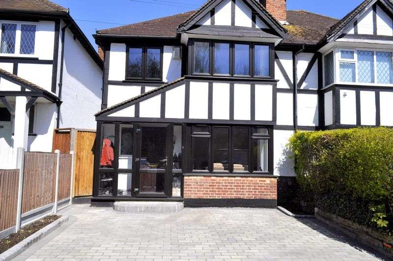 3 Bedrooms Property for sale in Station Road, Orpington