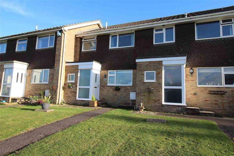 3 Bedrooms Terraced House for sale in Whitby Road, Milford on Sea, Lymington, Hampshire, SO41