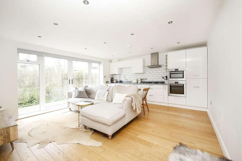 1 Bedroom Apartment Flat for sale in Fendall Apartments, Choumert Grove, Peckham