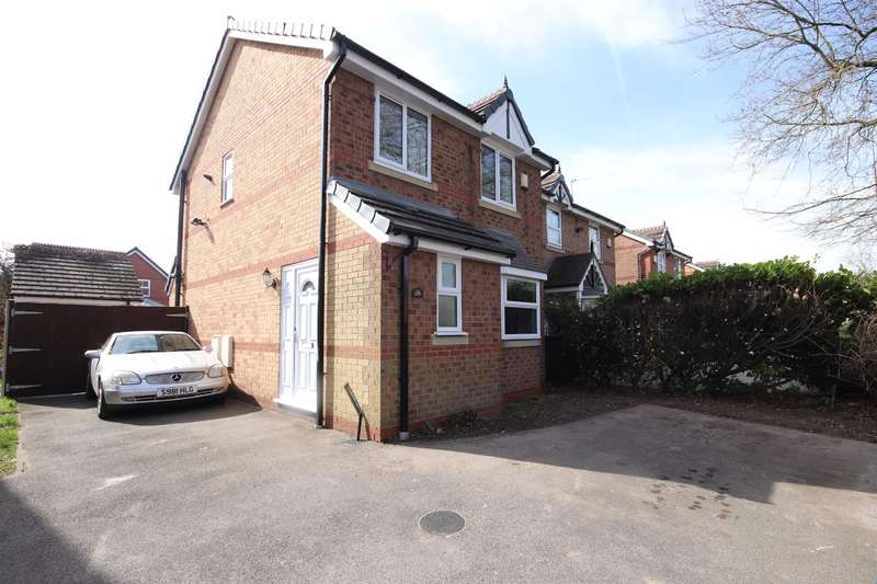 3 Bedrooms Detached House for sale in Holden Road, Leigh, WN7 2HF