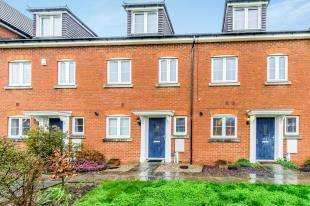 3 Bedrooms Terraced House for sale in Silver Streak Way, Rochester, Strood, Kent