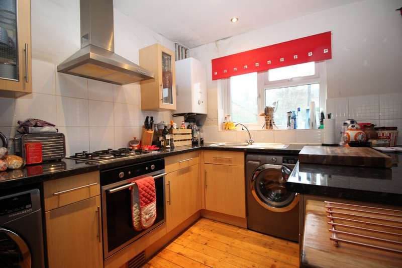 3 Bedrooms House for sale in Alfred Road, Dover, Kent, CT16