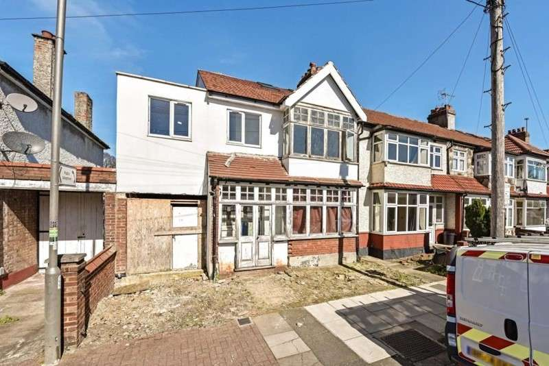4 Bedrooms Property for sale in Broadwater Road, Tooting, London, SW17 0DX