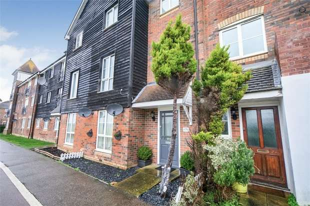 5 Bedrooms Town House for sale in East Stour Way, Ashford, Kent