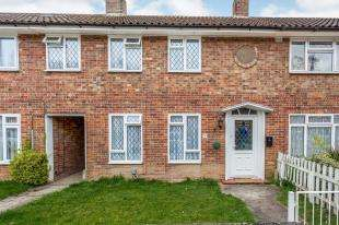 3 Bedrooms Terraced House for sale in Furzefield, Crawley, West Sussex