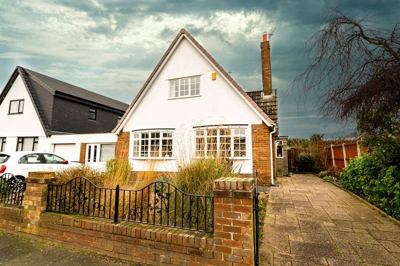 2 Bedrooms Detached House for sale in Waddington Road, Lytham St Annes, FY8