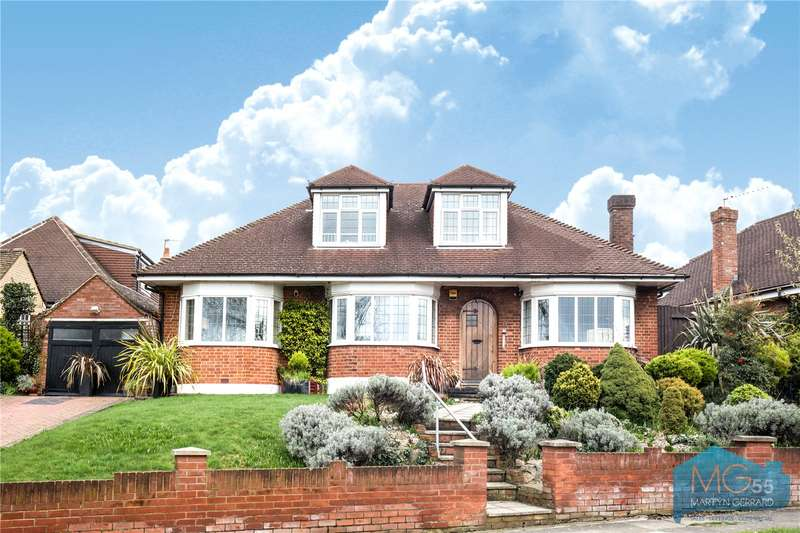 4 Bedrooms Detached House for sale in Chandos Avenue, Southgate, London, N14