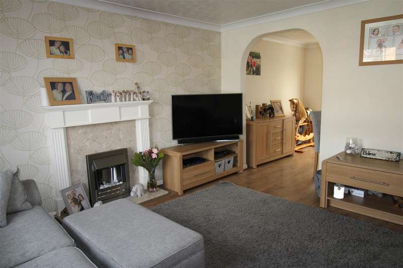 4 Bedrooms Detached House for sale in Wellburn Close, Bolton