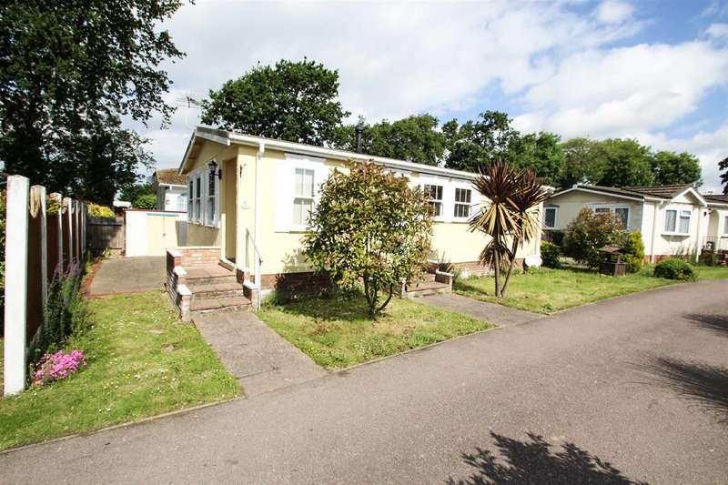 2 Bedrooms Park Home Mobile Home for sale in Sacketts Grove, Clacton-on-Sea