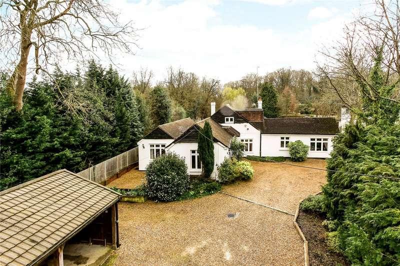 4 Bedrooms Detached Bungalow for sale in Windsor Road, Chobham, Surrey, GU24