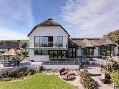 5 Bedrooms Detached House for sale in The Stables, Porthkerry