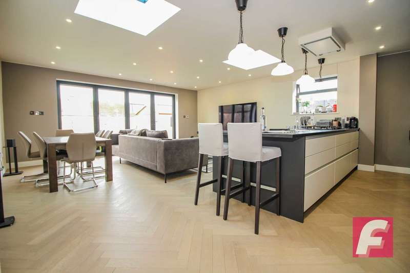 3 Bedrooms End Of Terrace House for sale in Fairfield Avenue, South Oxhey, WD19