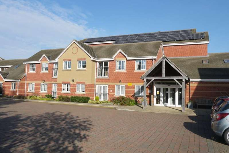 2 Bedrooms Flat for sale in Watermead Court, Birstall, Leicester