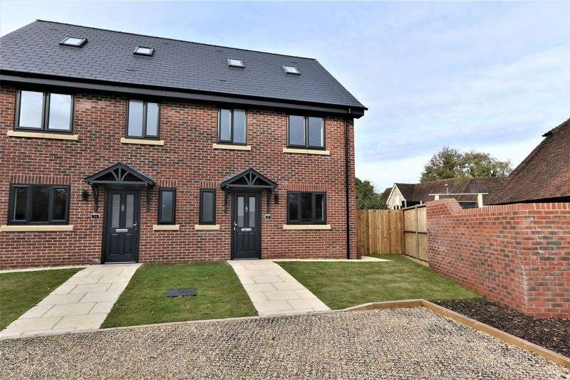 4 Bedrooms Property for sale in Five Heads Road, Horndean