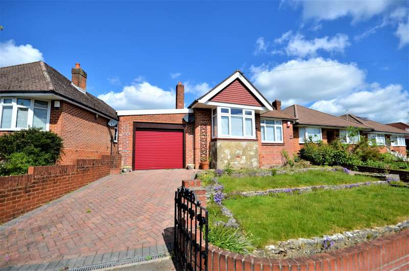 2 Bedrooms Detached Bungalow for sale in Burnham Chase, Southampton, SO18